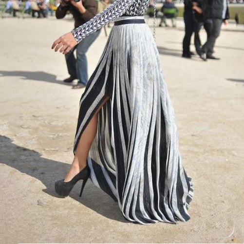 A woman's irregular pleated skirt wq40 wq40