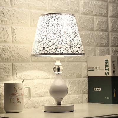 LED Crystal Bedroom Table Lamp Bedside Lamp Modern Living Room Table Light for The Bedroom Bed Decorative Indoor Lighting
