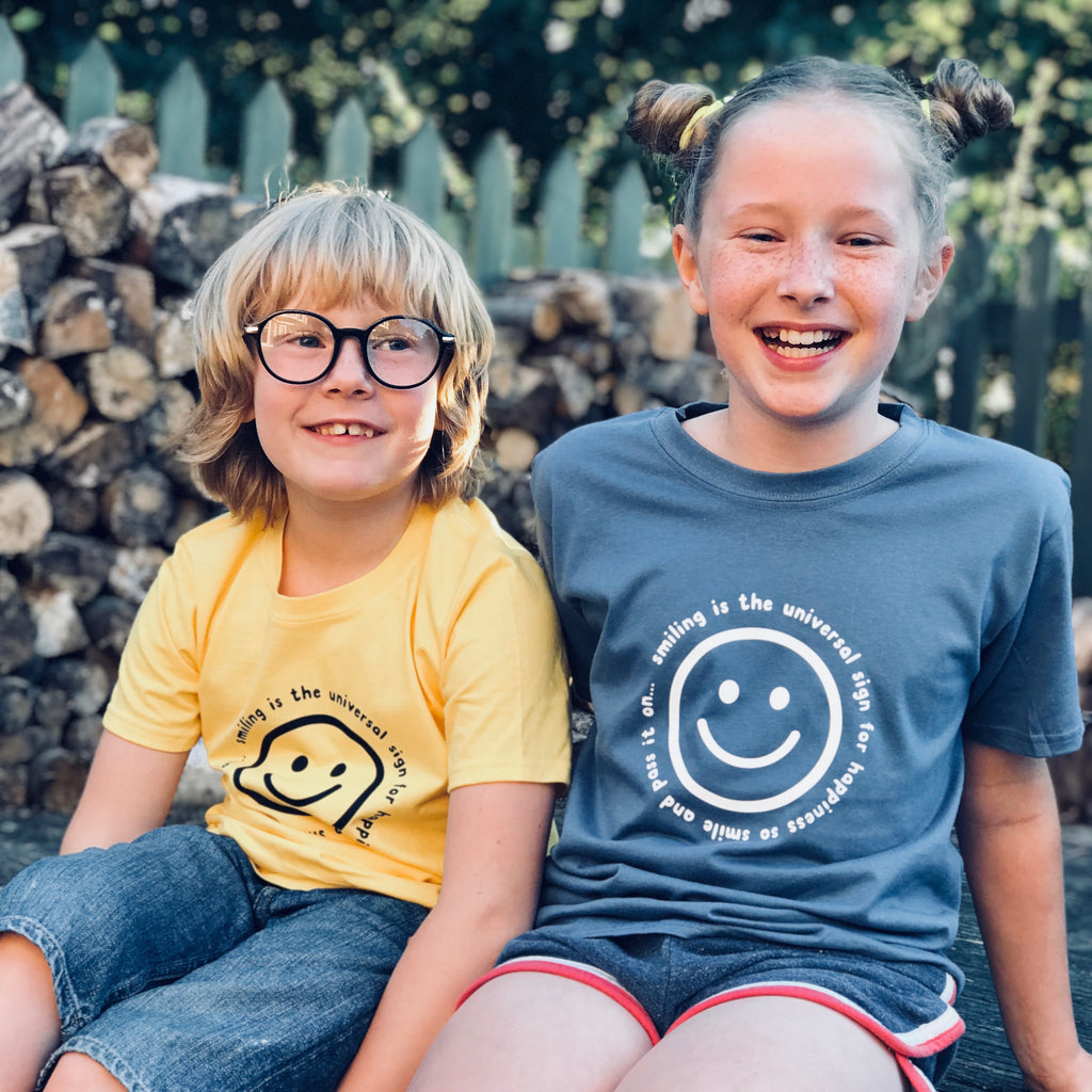 Smile childs t shirt - a lovely Unique Gift from Auntie Mims