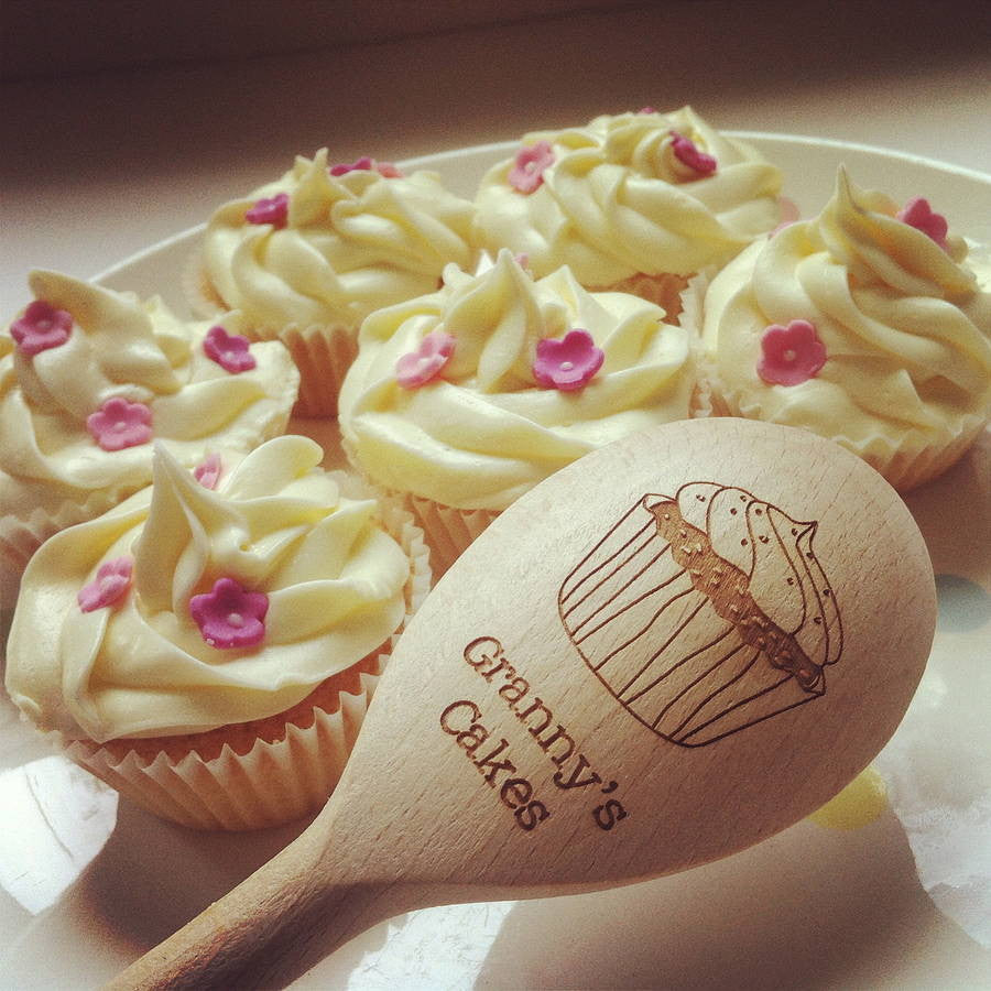 Personalised Wooden Cupcake Spoon - Cupcake with Cherry & Cakes