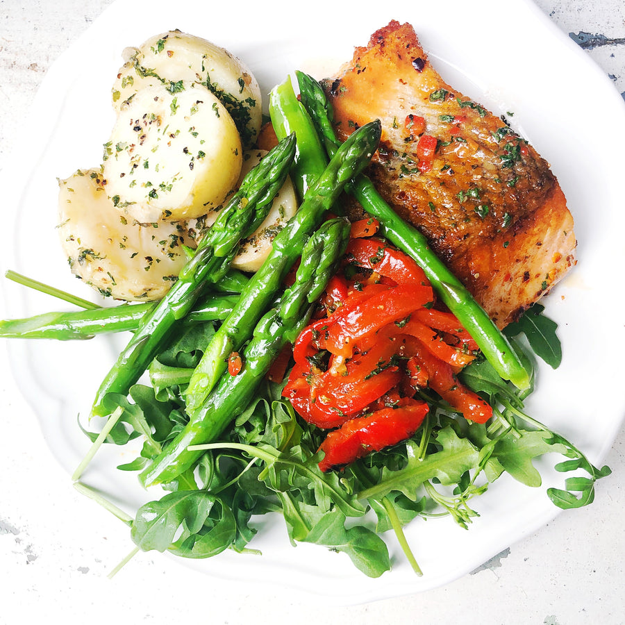 PAN ROAST SALMON FILLET WITH ROCKET & HERBY NEW POTATOES
