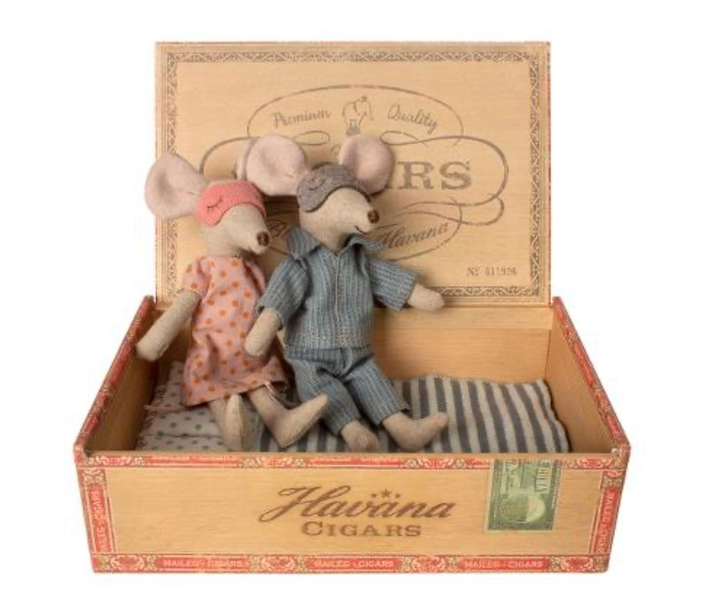 Maileg Mum and Dad mice