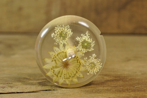 Resin Drop Spindle - Astrantia and White Lace Flower