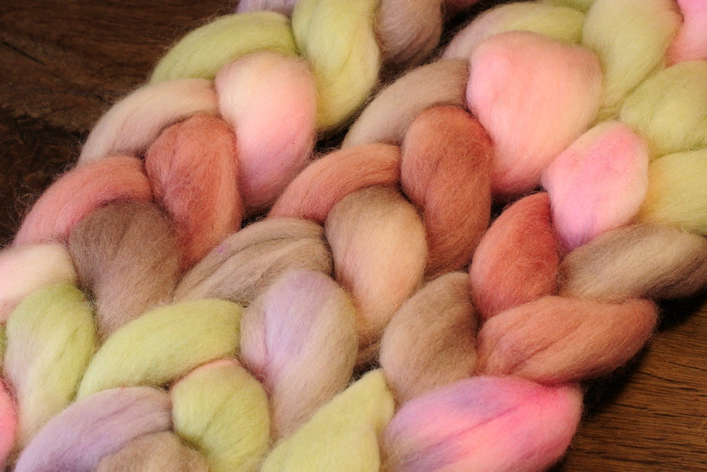 Hand Dyed Corriedale Wool Top for Spinning or Felting - 'Garlic'
