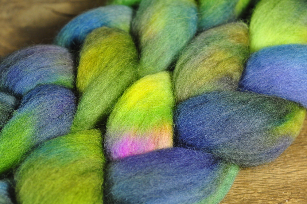 Hand Dyed Corriedale Wool Top - 'Gecko'