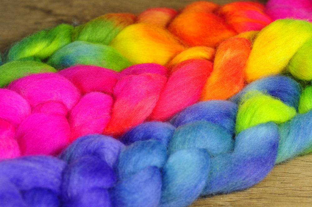 Hand Dyed Corriedale Wool Top for Spinning of Felting - 'Luminous Gradient'