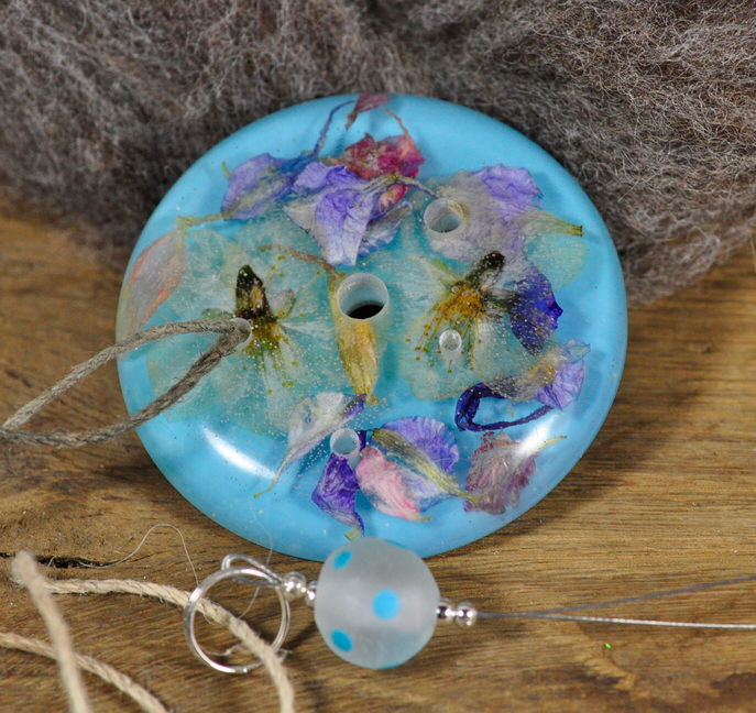 Resin Spinner's Diz with Threader: Blue Petal Mix