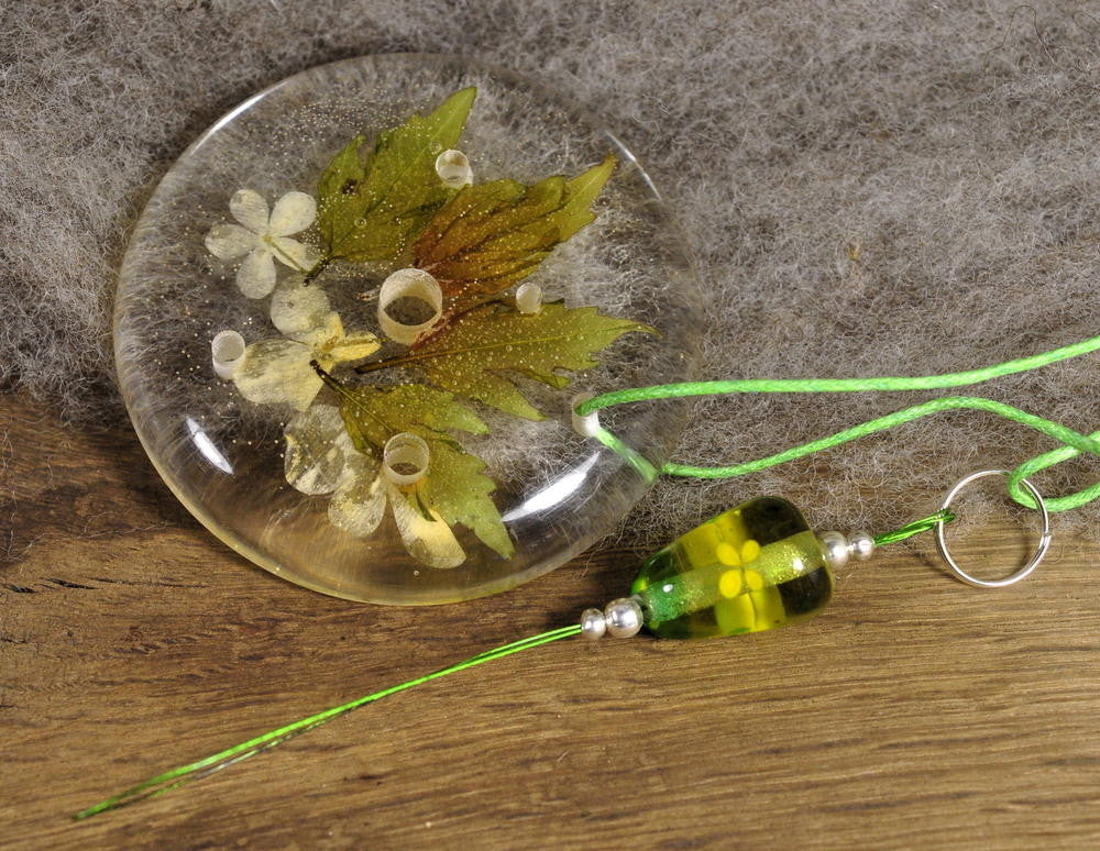 Resin Spinner's Diz with Threader: Guelder Rose