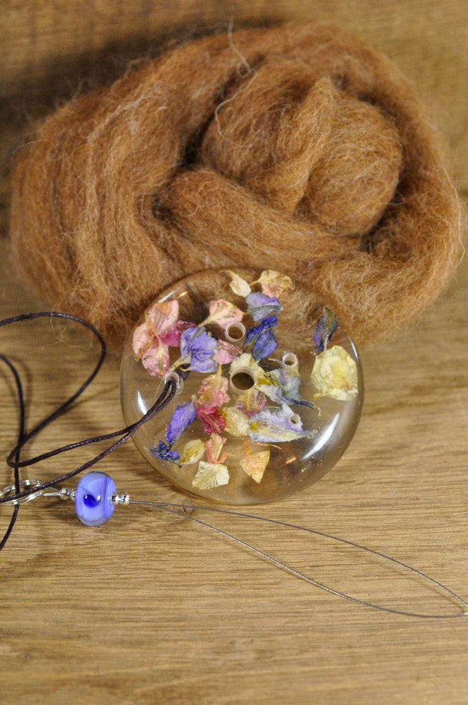 Resin Spinner's Diz with Threader: Larkspur Petals