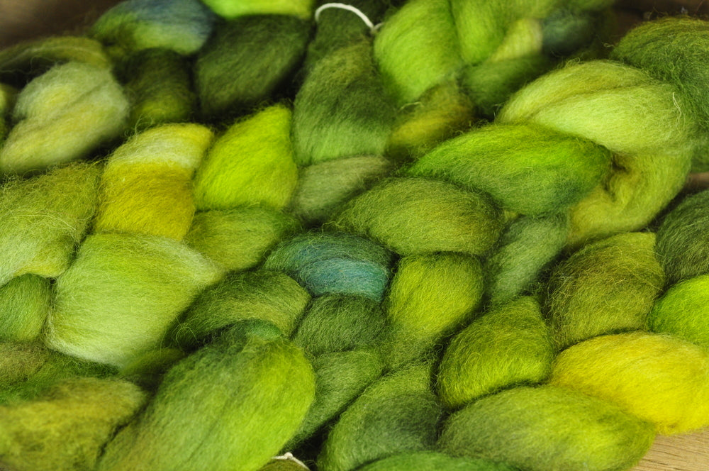 Hand Dyed English Wool Blend Top for Spinning or Felting, - 'Oak Leaves'