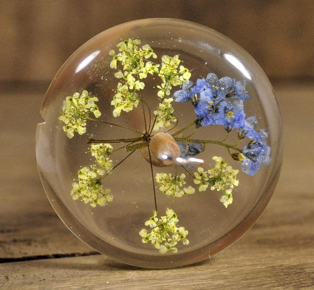 Resin Drop Spindle - Forget-me-not and Cow Parsley