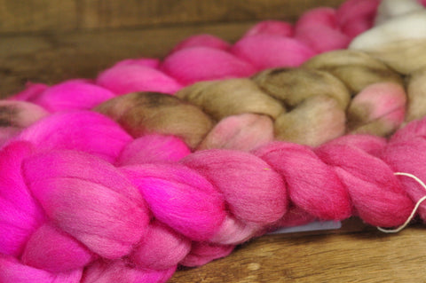 100g Hand Dyed Merino Wool Top for Handspinning or Felting - 'Raspberry Latte'