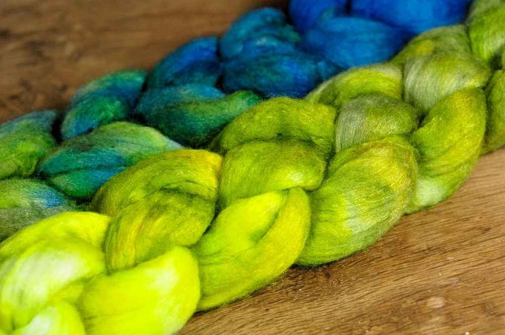 Luxury Merino/Silk Top (50% blend) for Hand Spinning or Felting - 'Zingy Gradient'