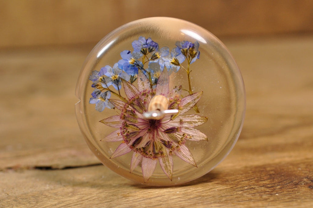 Resin Drop Spindle - Astrantia and Forget-Me-Not - Shorter Shaft