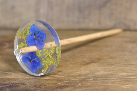 Botanical Top Whorl Resin Drop Spindle - Blue Hydrangea and Ladies' Mantle