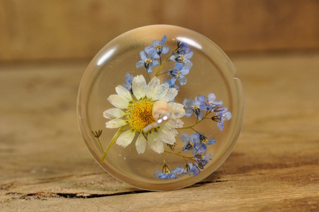 Resin Drop Spindle - Daisy and Forget-Me-Not - Shorter Shaft