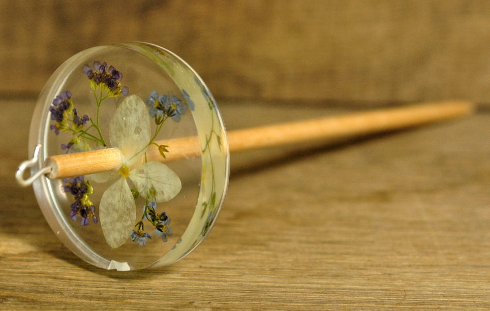 Botanical Top Whorl Resin Drop Spindle - White Hydrangea and Pink Yarrow