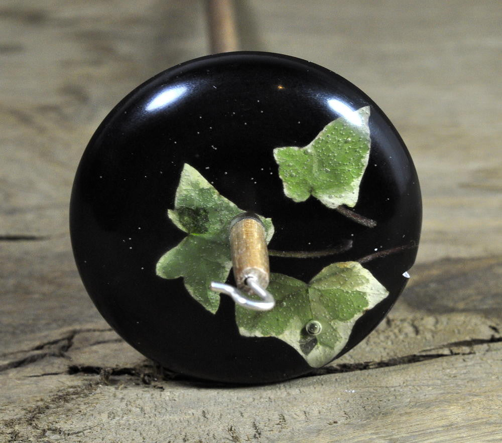 Resin Drop Spindle - Ivy Leaves on Black