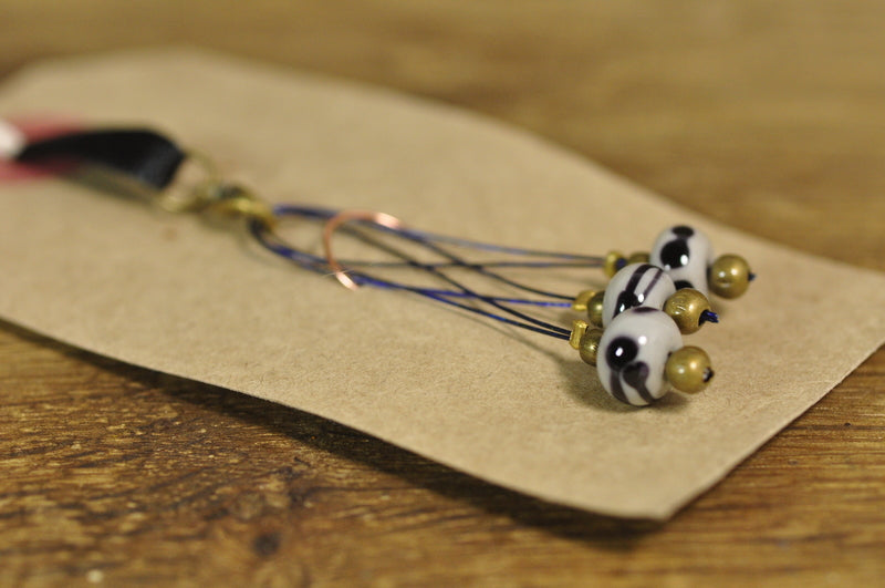 SALE! Lampwork Stitch Marker Set - Grey Scribbles