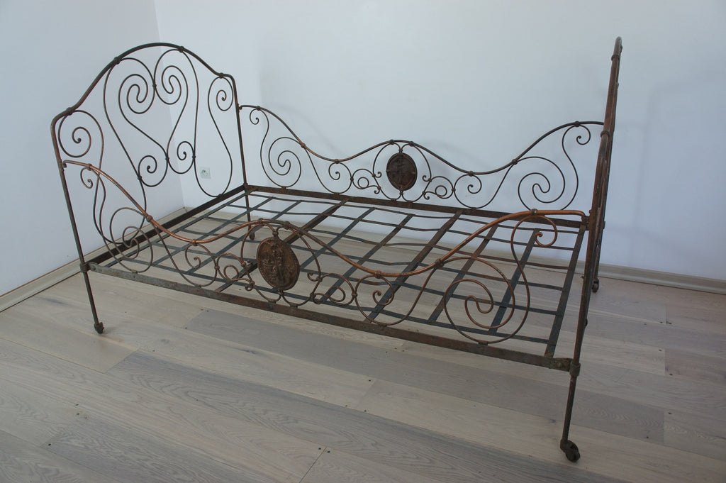 Wrought Iron Bronze Bed/Day Bed