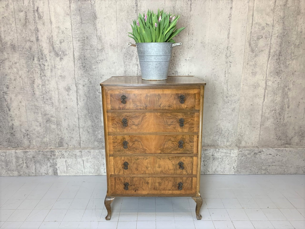 Burr Walnut Veneer Chest of Drawers with Cabriole Legs