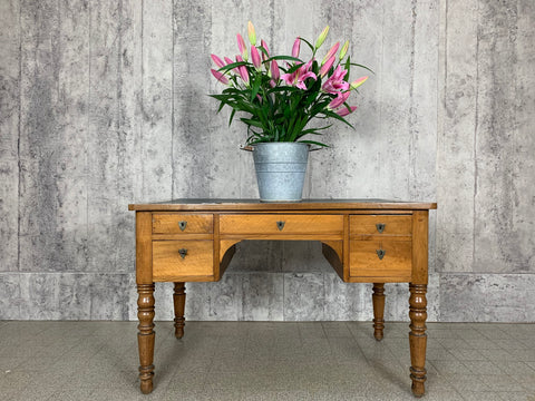 124.5cm Leather Topped Desk, Dressing Table with Turned Legs