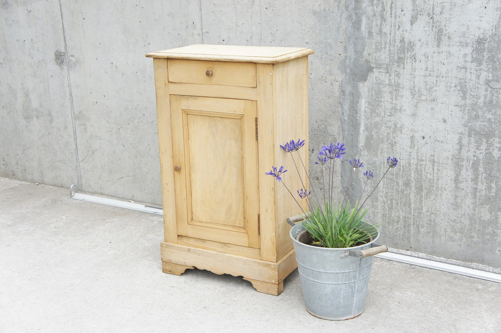 Decorative Pine Bedside Kitchen Cabinet