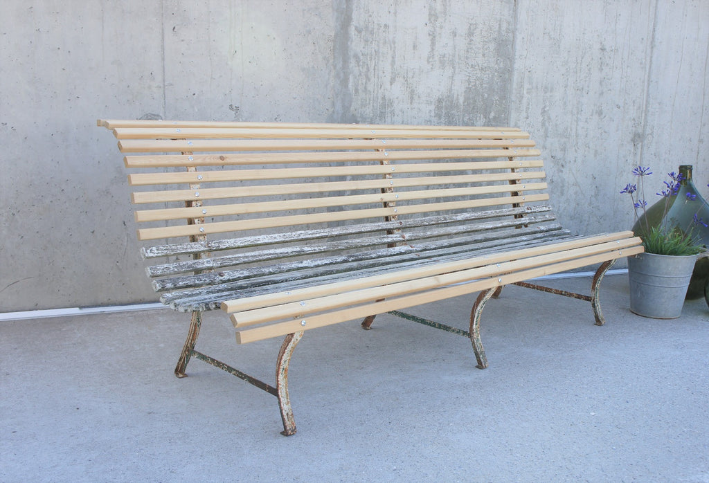 White ''Parisian'' Metal and Wood Garden Bench