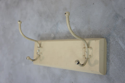 Painted Cream Shabby Chic Coat Hooks (2) Portmanteaux