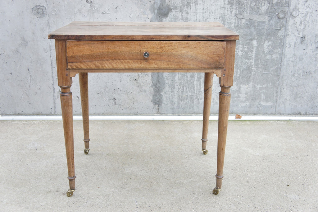 Walnut Wood Turned Legs Table Desk Dressing Table with Wheels
