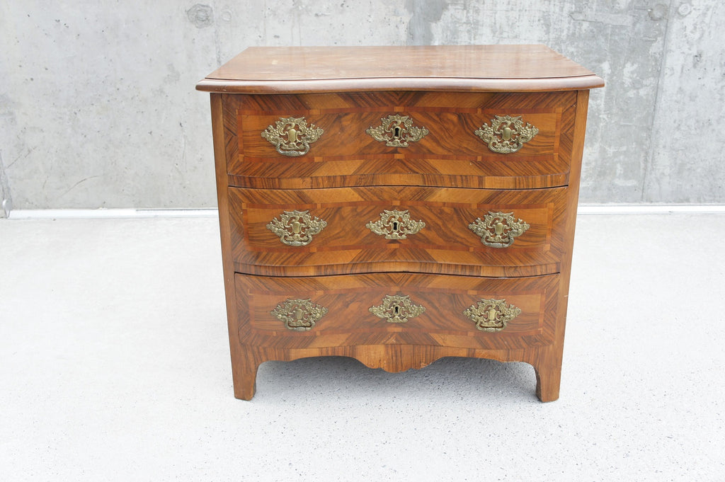 19th Century Serpentine Veneer Chest of Drawers