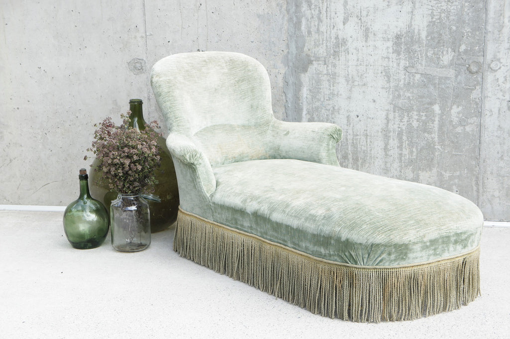Napoleon III Sage Green Velvet Chaise Longue with Turned Legs to Re-upholser