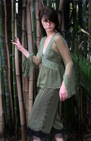 Vintage style top in aloe