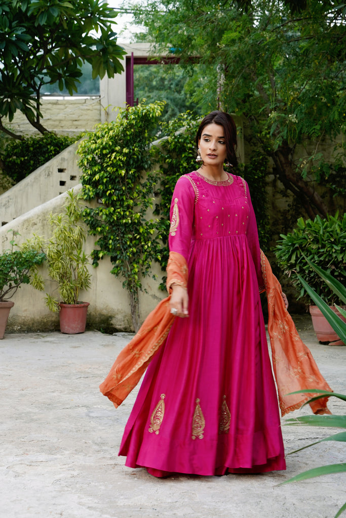 Rani Bahaar Kurta Set By Misri By Meghna Nayyar