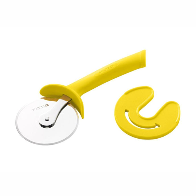 SCANPAN | Spectrum Pizza Cutter & Sheath -  Yellow