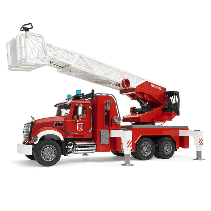 BRUDER MACK Granite Fire Engine w/Slewing Ladder & Water Pump 1:16
