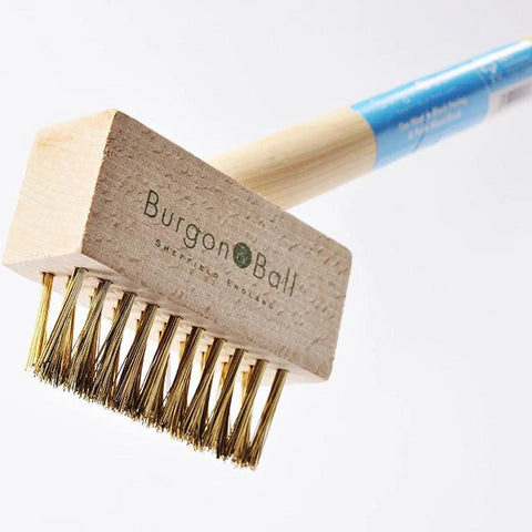 BURGON & BALL  |  Long Handled Miracle Block Paving Brush close up