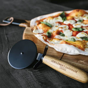 GENTLEMENS HARDWARE  Pizza Cutter & Serving Board