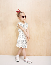 Load image into Gallery viewer, IZIPIZI PARIS | Sun Kids - Red (1-3 YEARS) pretty model