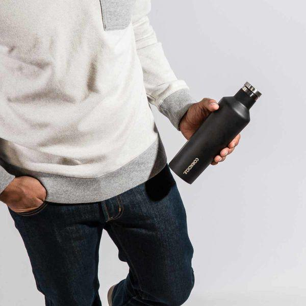 CORKCICLE | Canteen 16oz (470ml) - Matt Black in use