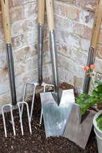 Load image into Gallery viewer, BURGON & BALL  |  Border Spade -  RHS Endorsed displayed