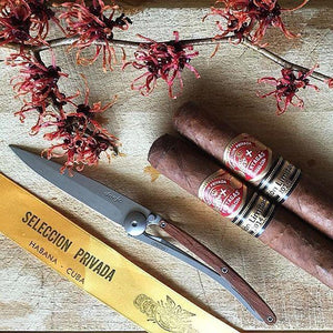 DEEJO KNIFE | Classic Wood 27g - Rosewood displayed