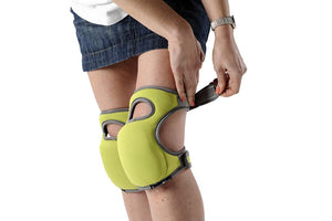 BURGON & BALL  |  Kneelo® Knee Pad - being strapped