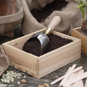 SOPHIE CONRAN | Compost Scoop in use