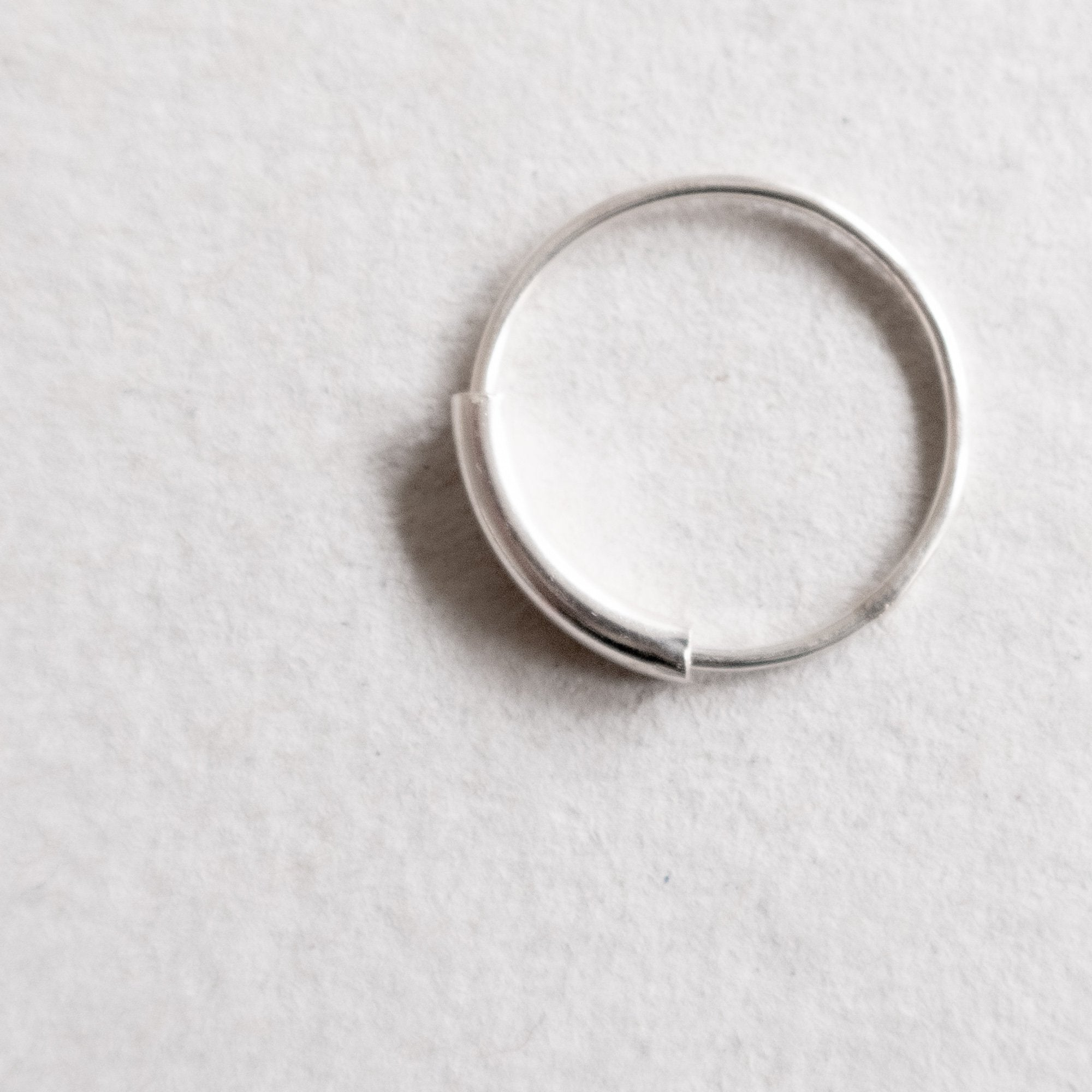 movable ring to play around