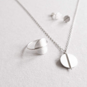 circle line series ring studs necklace