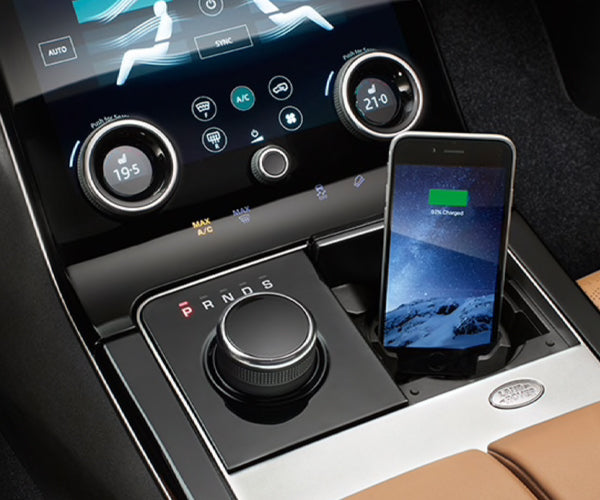 Land Rover Range Rover Velar - IPHONE® CONNECT AND CHARGE DOCK