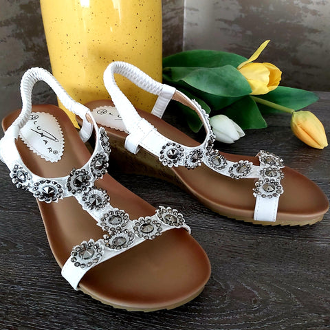 Lunar Cally Wedge Sandal .
