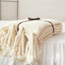 Load image into Gallery viewer, Cream Tassel Blanket - Vida Style