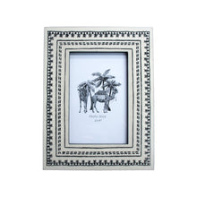 Load image into Gallery viewer, Monochrome Tribal Frame - 6x4 - Vida Style